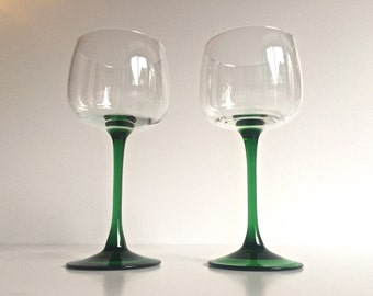 Vintage Green Wine Glasses Made in France by Luminarc. Set of 2. Large Bowl Holds 8 Ounces of Wine. Tapered Stem