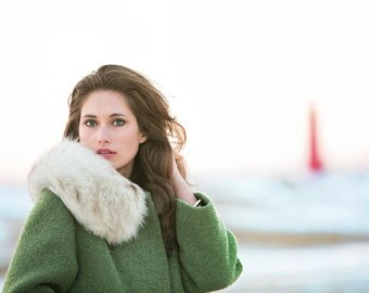 VINTAGE 50s Sage Green Coat w/ Fur Collar
