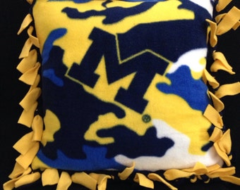 MI Wolverines Fleece Pillow