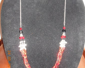 Red and black necklace #39N