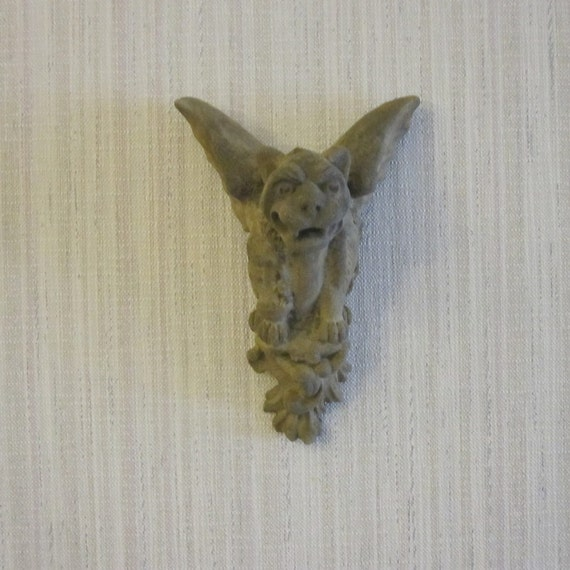 Concrete gargoyle cast stone wall art home decor outdoor for Gargoyle decor