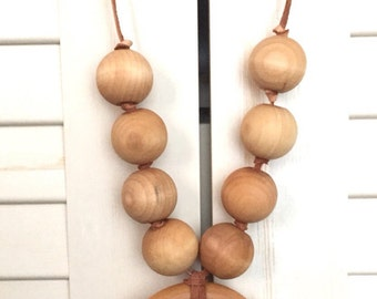 Nursing / teething necklace