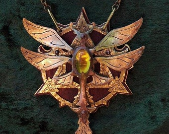 The Amber Faeryfly necklace