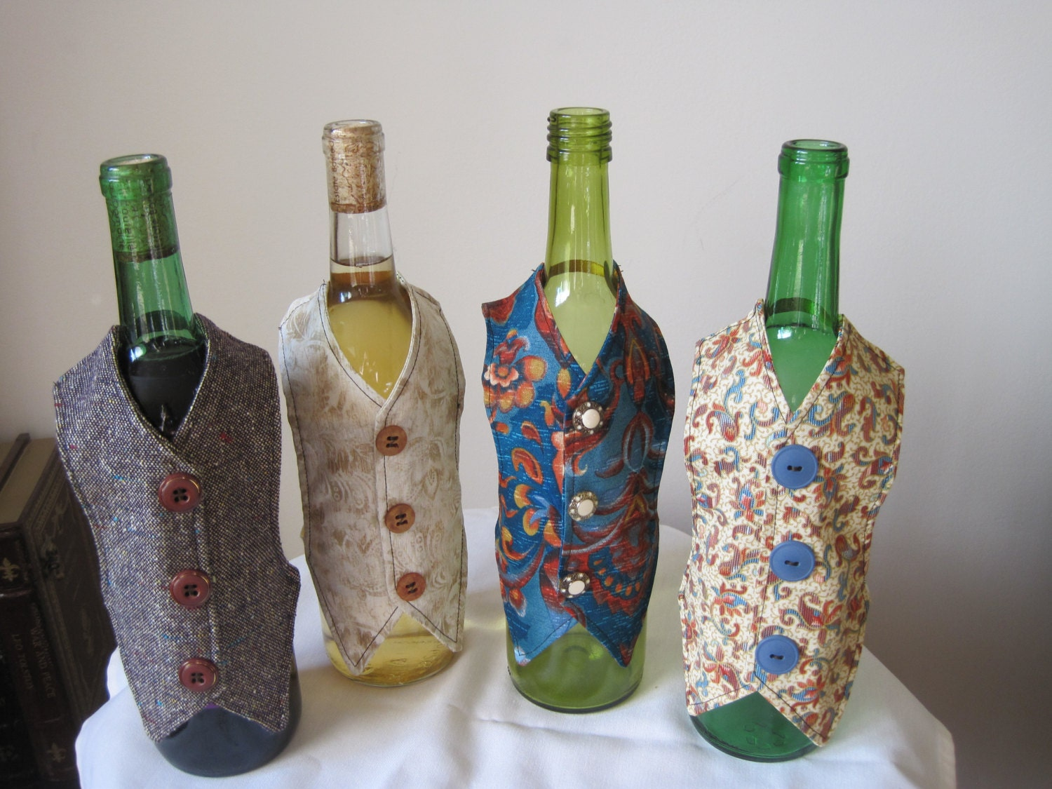 Wine bottle decorations wine bottle sleeves wine bottle for Wine shop decoration