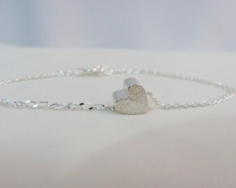Sterling Silver Heart Bracelet, Sliding Heart Charm, Wedding Jewelry, Charm Bracelet, Bride Bracelet, Minimalist Jewelry
