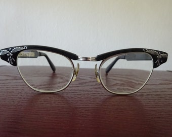 Vintage 1950's Cat Eye Glasses - FREE SHIPPING and Insurance