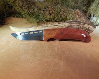 Badlands Skinning knife Redwood handles