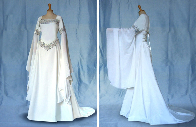 Lord Of The Rings Wedding Dress. The Newlyweds With Lord Of The ...
