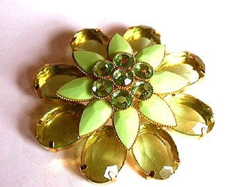 Floral Brooch - Chunky Lucite Green and Gold Tone Floral Jewelry - Unsigned Vintage Costume Jewelry Lapel Pin