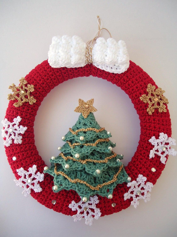 Christmas wreath in crochet door hanger decoration - Decoration au crochet ...