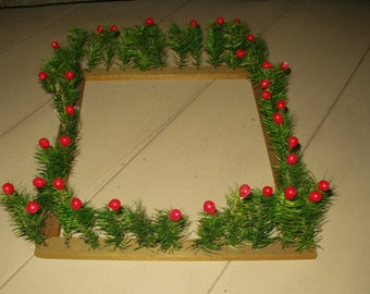 Old Feather Berry Christmas Hedge Fence Vintage 1920's 1930's To Decorate Around A Tree Base