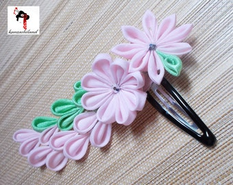 Flowers with petals hanging hair kanzashi