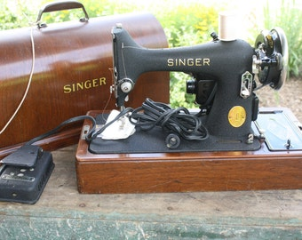 Vintage Heavy Duty Sewing Machine ca 1930 Bentwood Case WWII Heirloom