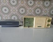 Retro Green Clock Radio, Vintage 1960s Avocado Green Emerson Clock Radio, Green AM Radio