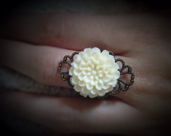 Vintage Inspired Large Flower Ring