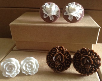 Set of Brown and White/Flower Stud/Post Earrings