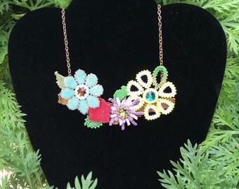 Crew neckline with flowers and swarovski rivoli-Choker spring flowers-crewneck spring flowers