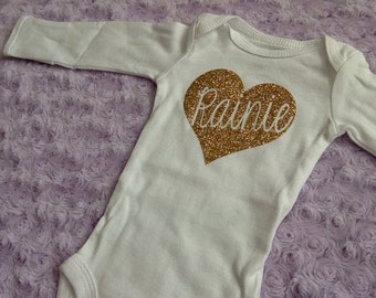 Customized baby Bodysuit. Coming home outfit. Baby shower gift. Baby name Bodysuit. Sparkle glitter Bodysuit.
