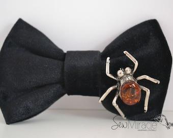Black Velvet Bow tie, Baltic Amber spider brooch, Halloween accessory, Men's bow tie, Men's accessories, Handmade, Unique, Unusual