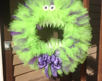 monster halloween tulle wreath with spots and big bow