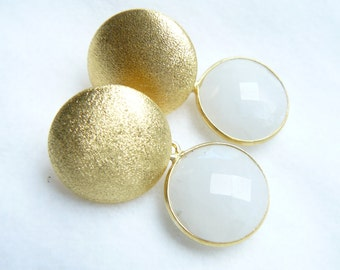 Studs gold Moonstone