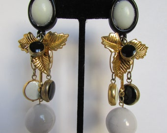 Vintage earring- Black and white dangle drop earrings- 90s Jewelry