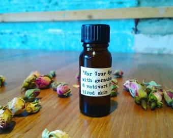 Facial oil for tired, dry eyes