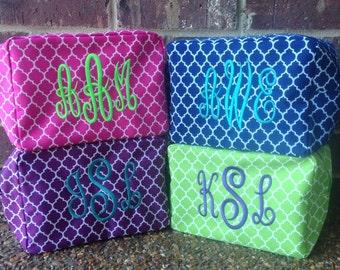 Monogrammed Quatrefoil Cosmetic Bag, Christmas Gift, Makeup Bag, Bridesmaid Gift