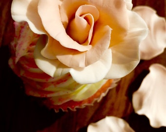 Sugar flowers-gumpaste rose and petals for wedding cupcakes decorations