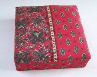 Fabric box Jewelry box covered with provençal fabric Made in France vintage Red fabric jewelry box
