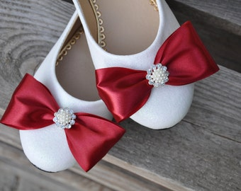 Red wedding shoes red wedding flats White bridal shoes red satin flats wedding shoes Wedding shoes red flats bridal shoes flats with bow