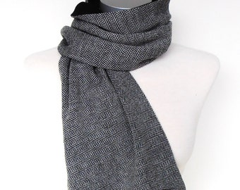 Men's scarf with grey herringbone, scarf wool, winter scarf, gift men, leather buttons