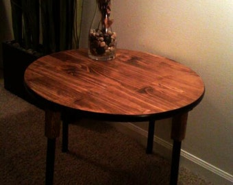 """Beautiful 24"""" Round Accent Table"""