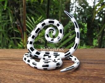 """Black & White Spider Web Glass Tear Drop Spirals 6g 4g 2g 0g 00g 7/16"""" 1/2"""" 9/16"""" 5/8""""  4 mm 5 mm 6 mm 8 mm 10 mm 12 mm 14 mm 16 mm"""