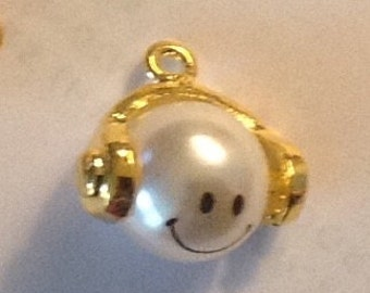 Smiling Face Pearl Charm set of 3