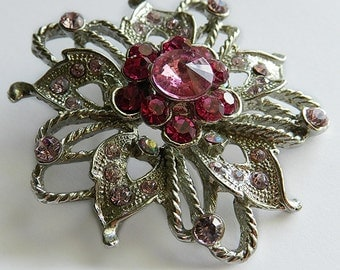 Lovely Rhinestone flower brooch pin silver