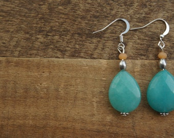 Beautiful jade earrings with drops