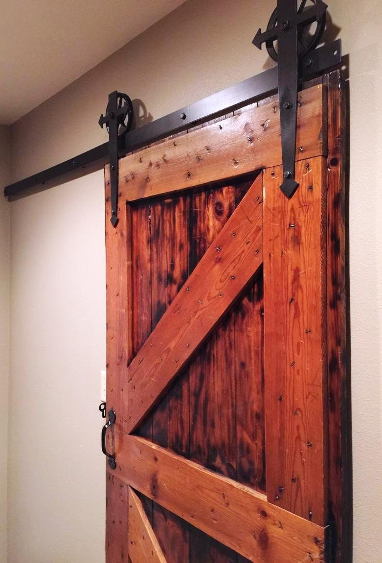 arrow t shaped sliding barn door hardware set. Black Bedroom Furniture Sets. Home Design Ideas