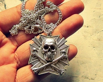 Mens Pirate Necklace, Pirate Jewelry For Men, Skull And Crossbones Necklace For Guys, Pirate Accessories, Gifts For Men, Gifts For Husband