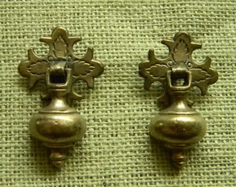 Elegant Cast Brass Antique Victorian Era Teardrop Drawer Pulls - Solid Brass Drawer Handles