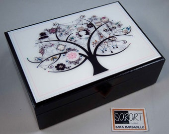 Wooden jewelry box. Tree of Life, Wooden Box, Jewelry box, Watch box, Wood, Handcrafted, Customized. For Him. For her