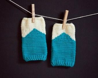 KNITTING PATTERN : Mountain Top Fingerless Gloves - Digital Download