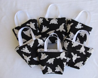 Set of 6 Halloween Fabric Gift Bags/ Party Favor Bags/ Halloween Goody Bags- Ghosts on Black