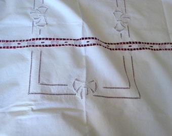Old tablecloth embroidered openwork entirely handmade