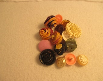 Set of 15 Vintage Swirly Crazy Buttons
