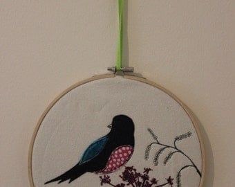 Bird with Seedhead Freehand Machine Embroidery in a hoop