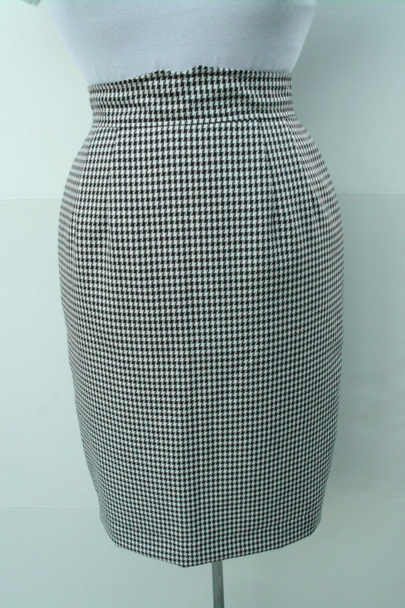 pencil skirt mid calf houndstooth black and white retro