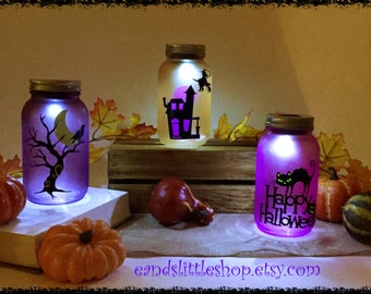 Halloween Mason Jars LED solar light with wire handles-Halloween Décor-Fall Décor-Mason Jars lighting-Lantern-Outdoor lighting-Night Light