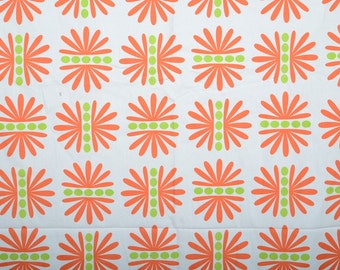 Robert Kaufmann Stockholm 100% Cotton Fabric by the Meter or the Yard - Bold Geometric Retro Print - Bright Orange and Lime Green on White