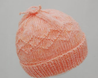 Child's Hand-knitted pink/peach hat